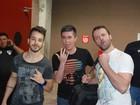 Junior Lima chega com banda para se apresentar em festival de música
