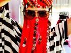 Cleo Pires usa véu em viagem à Turquia