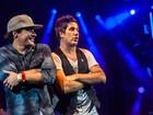 Thiago Martins canta com Rogério Flausino em show do Jota Quest
