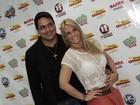 Carla Perez evita dar entrevista com Xanddy: 'Hoje é o show dele'