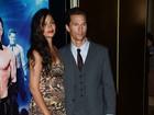 Grávida do terceiro filho, Camila Alves acompanha o marido em première