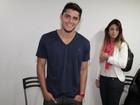 Bruno Gissoni evita fotos ao lado da namorada: 'Tô feliz!'