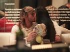 Vingou? Gata do Paulistão troca beijos com repórter durante jantar