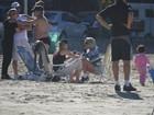 Em Santa Catarina, Sharon Stone vai à praia com o namorado