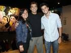Irmão caçula de Rodrigo Simas e Bruno Gissoni estreia no teatro