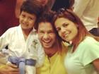 Nívea Stelmann e ex-marido tietam o filho no judô: 'Babando'