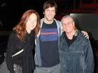 Camila Morgado e Vera Holtz prestigiam Vladimir Brichta no teatro