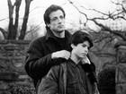 Sylvester Stallone contrata detetive para investigar morte do filho, diz site