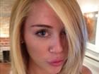 Miley Cyrus muda o visual e fica loiríssima
