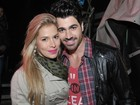 Ex-BBBs Adriana e Rodrigo curtem show sertanejo em So Paulo