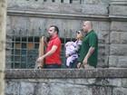 Grazi Massafera leva Sofia para sessão de fotos no Parque Laje, no Rio