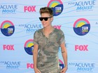 Justin Bieber e mais famosos vão à premiação teen em Hollywood