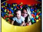 Juliana Silveira comemora um aninho do filho em viagem
