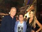 Ticiane Pinheiro e Roberto Justus jantam com Romero Britto em Miami
