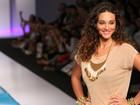 Débora Nascimento e José Loreto participam de evento de moda