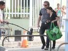 Marcello Novaes e Débora Falabella gravam 'Avenida Brasil' na orla do Rio
