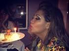 Gaby Amarantos comemora aniversário