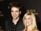 Robert Pattinson estaria refugiado em casa de Reese Witherspoon, diz revista