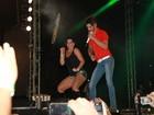 Scheila Carvalho relembra tempos de 'Tchan' em show de Gusttavo Lima
