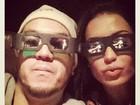Gracyanne Barbosa posta foto de óculos 3D ao lado de Belo