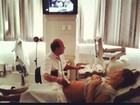 Grávida, Carol Francischini  posta foto fazendo ultrassonografia