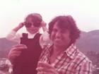 Danielle Winits posta foto antiga ao lado do pai