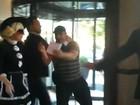 Fã tenta pedir autógrafo e é agredido por segurança de Lady Gaga
