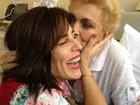 Glória Pires visita Hebe Camargo em hospital em São Paulo