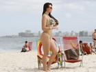Ex-affair de Gusttavo Lima vai à praia no Rio de Janeiro