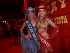 Rainha e Miss da Festa do Peão de Barretos exibem seus decotes