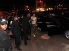 Fãs  de Gusttavo Lima se irritam com demora para atender o público