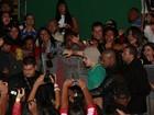 Luan Santana causa tumulto ao chegar em rodeio em São Paulo