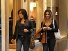 Glória Pires passeia com Cleo em shopping do Rio