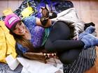 Carol Nakamura, que roda o Brasil pelo 'Domingão', mostra o que leva na bagagem