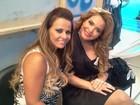 Geisy Arruda posta foto com Vivi Araújo: 'Encontrei a milionária'