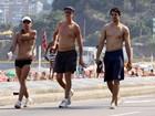 Do 'Divino' para o Leblon! Marcos Caruso caminha na orla do Rio