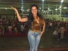 Solange Gomes bate pratão em feijoada de escola de samba