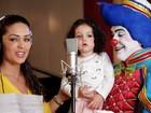 Filha de 1 aninho de Tânia Mara canta em gravação de DVD infantil