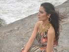 Franciely Freduzeski faz ensaio à beira-mar