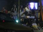 Sem o namorado, Isis Valverde curte noite carioca com amigas