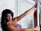 Mais votada em pré-votação do Miss Bumbum posa com corpo pintado