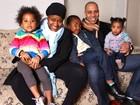 Dez anos após o 'Fama', Vanessa Jackson posa para o EGO com a família
