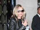 Kate Moss exibe suposta barriguinha de grávida, diz site
