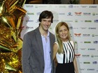 Adriana Esteves prestigia estreia de Vladimir Brichta: 'Ele é um príncipe'