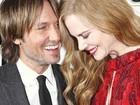 Acompanhada do marido, Nicole Kidman vai a première de filme
