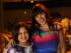 Simony leva os filhos a aniversário em São Paulo
