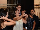 Todas querem Darkson! José Loreto é assediado por fãs em Fortaleza