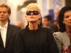 Loira, Xuxa chega para a missa de sétimo dia de Hebe Camargo