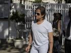 Rei Roberto Carlos tira fotos com fiscais de zona eleitoral