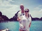 Grávida, Sheila Mello curte férias em Noronha: 'Vida boa, eu sei'
